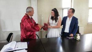 Korona virüsle mücadele eden kahraman doktorların nikahını Başkan Ensari kıydı