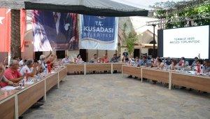 Kuşadası'nda CHP ile AK Parti arasında faaliyet raporu polemiği sürüyor
