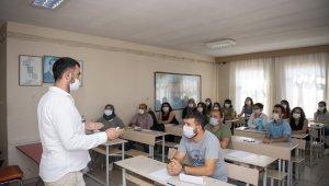 Mersin Büyükşehir Belediyesi'nin kurs merkezlerinde yeni dönem hazırlıkları başladı