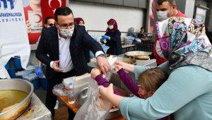 Mustafakemalpaşa Belediyesi Ayasofya Cami için lokma dağıttı - Bursa Haberleri