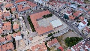 Nevşehir'de şehir merkezinde okul bahçeleri otopark olarak kullanılacak