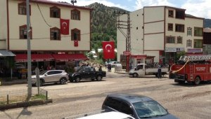 Operasyondaki Mehmetçiğe cami hoparlörlerinden çaldıkları ezgiyle destek verdiler
