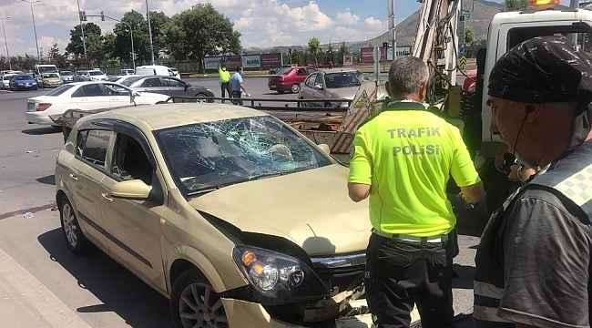 Otomobil ile motosiklet çarpıştı: 1 kişi ağır yaralı