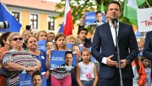 Polonyalılar, cumhurbaşkanlığı seçimlerinin ikinci turu için yarın sandığa gidiyor