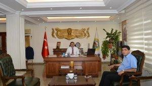 Rektör Alma, Vali Hüseyin Engin Sarıibrahim'i ziyaret etti