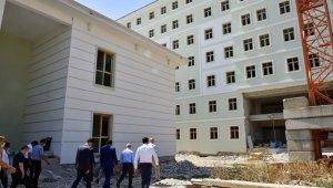 Rektör Ataç'tan Akhisar yerleşkesi inşaatına inceleme