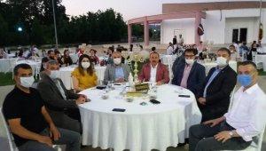 Sadece Başkan Sever'in maske takmaması dikkat çekti
