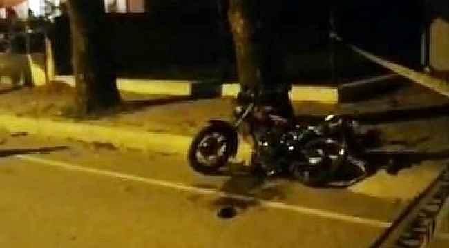 Sakarya'da spor otomobil ile motosiklet çarpıştı: 1 ölü, 2 yaralı
