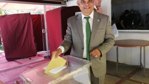 Salihli İYİ Parti'de Ulvi Murat Tunca güven tazeledi