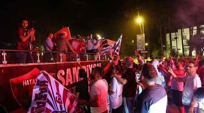 Şampiyon Hatayspor'a coşkulu karşılaşma