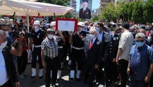 Şehit Polis Semih Güzelay, İzmir'de son yolculuğuna uğurlandı