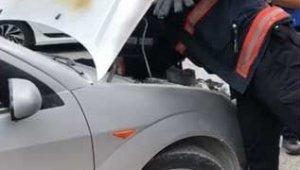 Seyir halinde otomobil yandı