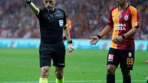 Sofiane Feghouli, kırmızı kart gördü