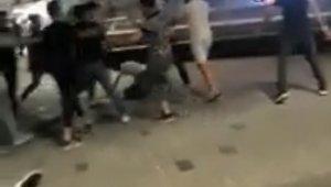 """Taksim'de """"Dövüş Kulübü"""" filmini aratmayan meydan kavgası kamerada"""