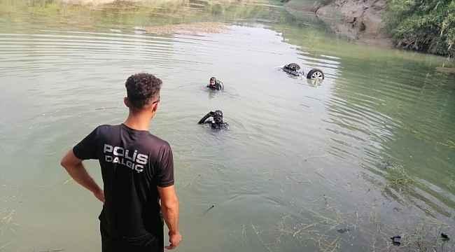 Tansiyonu düşen sürücü otomobiliyle göle uçtu
