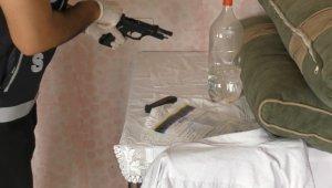 Tavan arasından pompalı tüfek tuğlanın içerisinden uyuşturucu çıktı - Bursa Haberleri