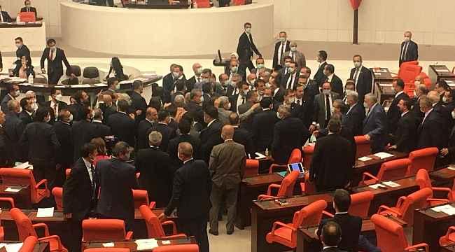 TBMM'de bağımsız İstanbul milletvekili Ahmet Şık'a uyarı cezası