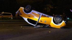 Ticari taksi takla attı: 2 yaralı