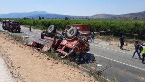 İzmir'de orman yangınına giden ekip aracı kaza yaptı: 2 ölü