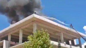 Tunceli'de yangın, 2 işçi son anda kurtuldu o anlar kamerada