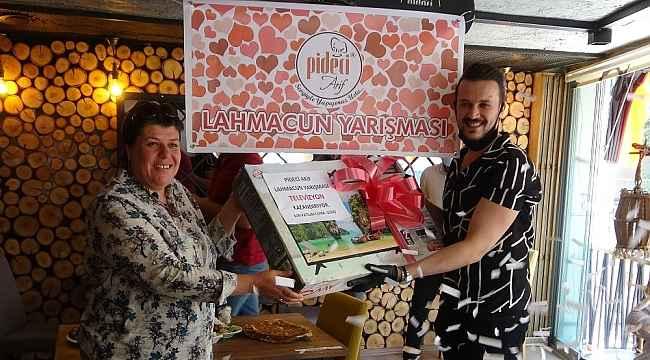 Uşak'ta lahmacun yeme yarışması düzenlendi