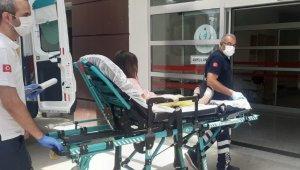 Üzerine dolap düşen çocuk yaralandı