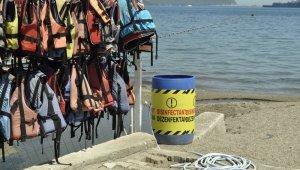 """Uzmanlardan su üstünde yaşayanlara uyarı: """"Can yeleklerini simitlerini kontrol etmeden açılmayın"""""""