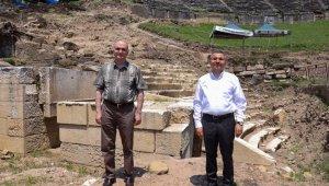 Vali Atay ve Başkan Özlü kazı çalışmalarını inceledi