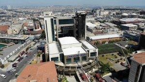 Yangın çıkan Bayrampaşa Mehmet Akif Ersoy Kültür Merkezi havadan görüntülendi