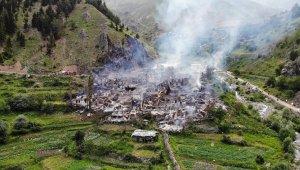 Yusufeli'de çıkan yangında 35 ev kullanılmaz hale geldi
