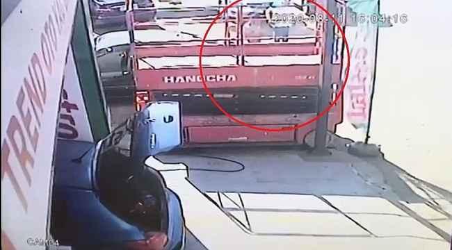 3 kişinin vurulduğu silahlı saldırı kamerada