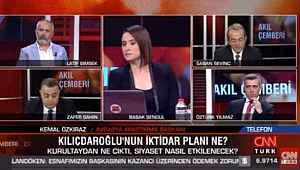 AK Parti'yi yüzde 35 gösteren anketçi yayına bağlanınca ortalık karıştı