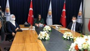 AK Parti'de partilerle bayramlaşma video konferans yöntemiyle yapıldı