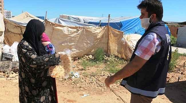 Akçakale'de dar gelir ailelere ekmek desteği
