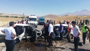 Aksaray'da otomobiller çarpıştı: 1'i ağır 4 yaralı