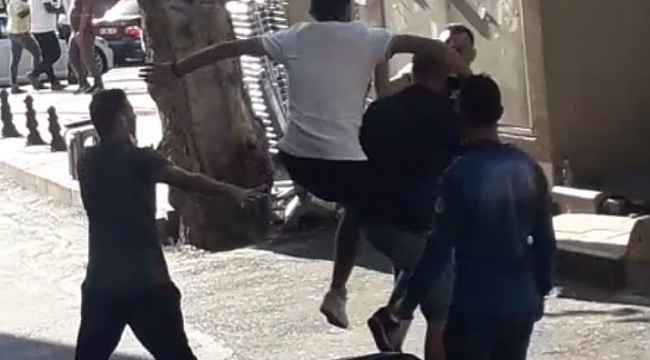 Aksaray'da uçan tekmeli kavga