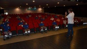Alanya'da sinekle mücadele ekibine eğitim verildi