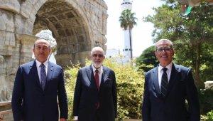 Bakan Çavuşoğlu, Maltalı ve Libyalı mevkidaşlarıyla görüştü
