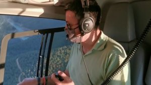Bakan Pakdemirli söndürme çalışmalarını helikopterle havadan denetledi