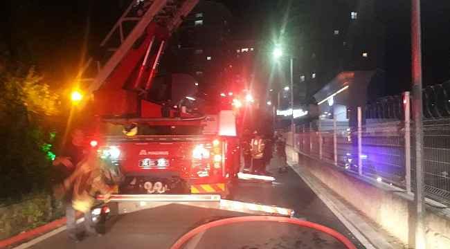 İstanbul'da 15 katlı binada korkutan yangın