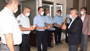 Başkan Zeybek personel ile bayramlaştı