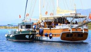 Bayram teknelerden 109 bin 230 kilo katı atık toplandı