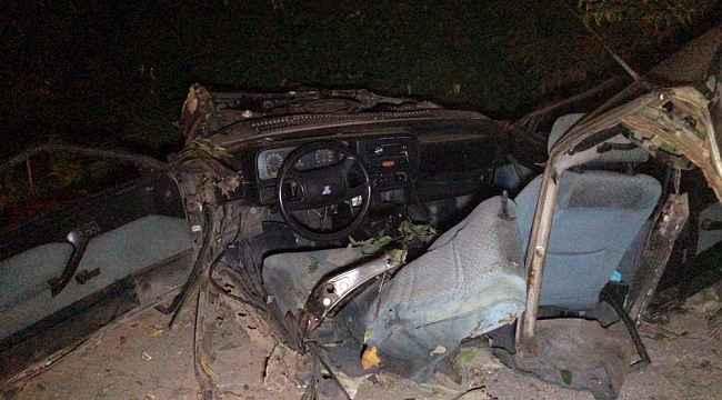 Bursa'da otomobil ikiye bölündü...Can pazarında 2'si ağır 5 yaralı - Bursa Haberleri