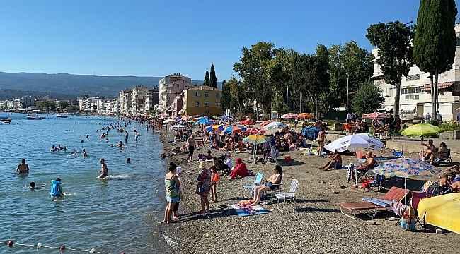 Bursa'da sahillerde sosyal mesafe unutuldu