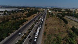 Bursa'da yollarda bayram yoğunluğu
