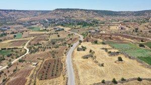 Büyükşehir, kırsal mahallelerin asfalt yenileme çalışmalarına devam ediyor