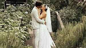 Cansel Elçin ve Zeynep Tuğçe Bayat, sessiz sedasız evlendi