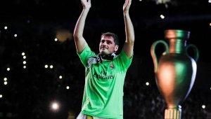 Casillas futbolu bıraktı