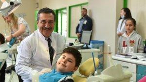 Çocuklar Tepebaşı'nda sağlıkla gülümsüyor