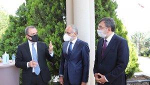 Cumhurbaşkanı Başdanışmanı Topçu'ya Azerbaycan Cumhuriyeti Hatıra Madalyası